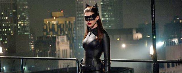 Anne Hathaway partante pour un film sur Catwoman