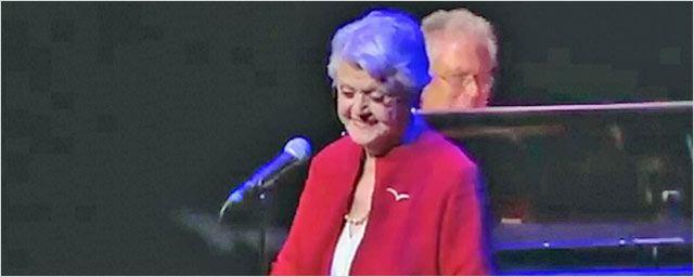 Madame Samovar chante La Belle et la Bête pour les 25 ans du film