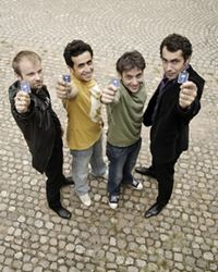 Affiche de la série Les Invincibles (2010)