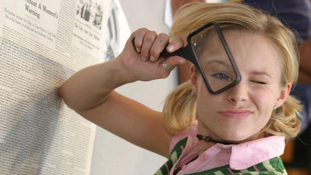 """Veronica Mars : """"branchée et cool"""", """"séduisante"""", """"trop sérieuse""""... qu'en pensait la presse il y a 15 ans ?"""