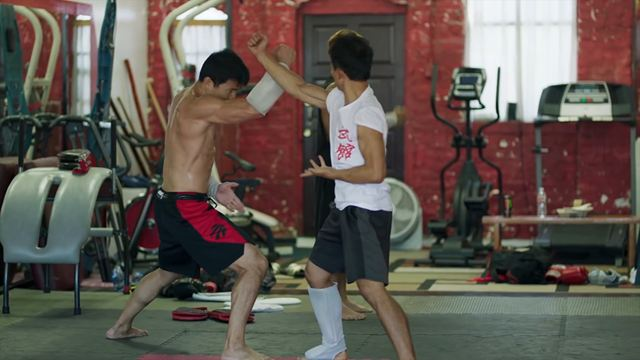 """Shang-Chi : """"Chaque partie de mon corps a été blessée dans les combats"""" raconte Simu Liu"""