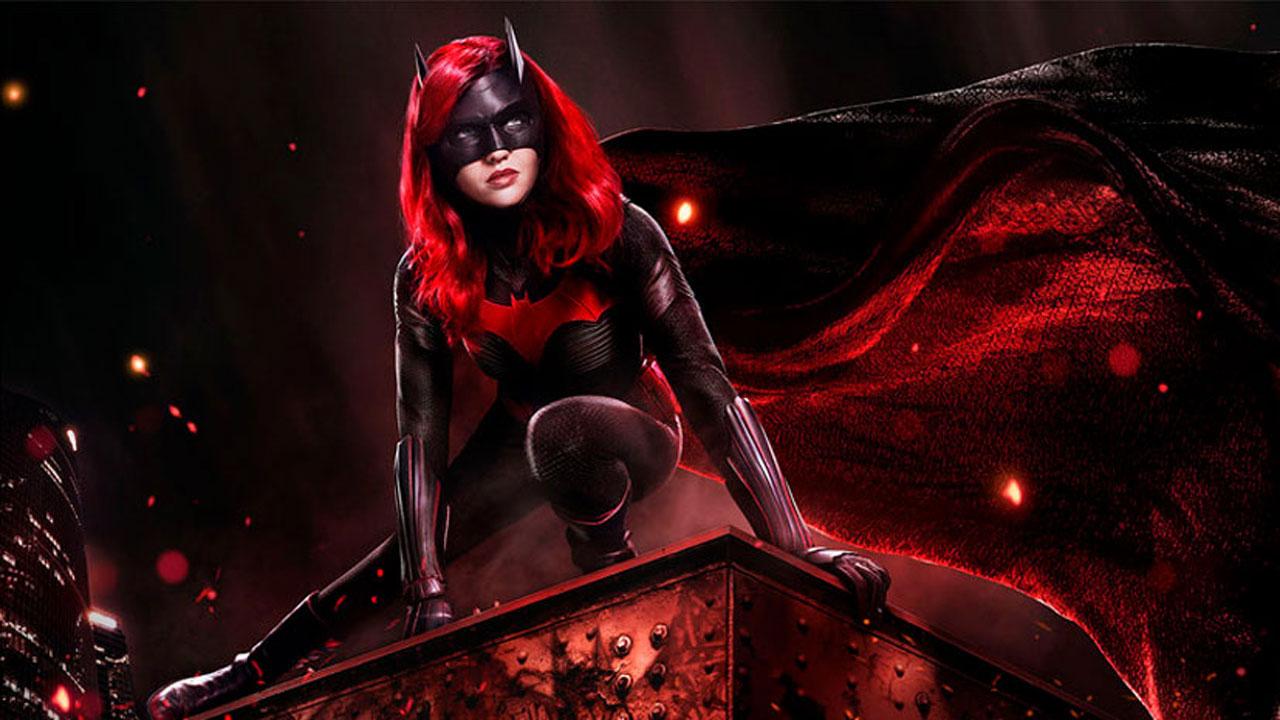 Batwoman, première super-héroïne lesbienne - Geeko