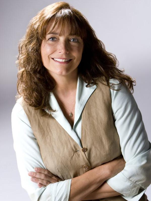Karen Gillan - Wikipedia