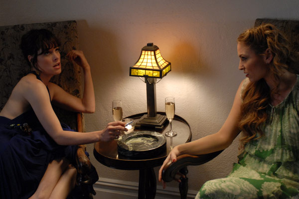 Broken English : Photo Drea de Matteo, Parker Posey, Zoe R. Cassavetes