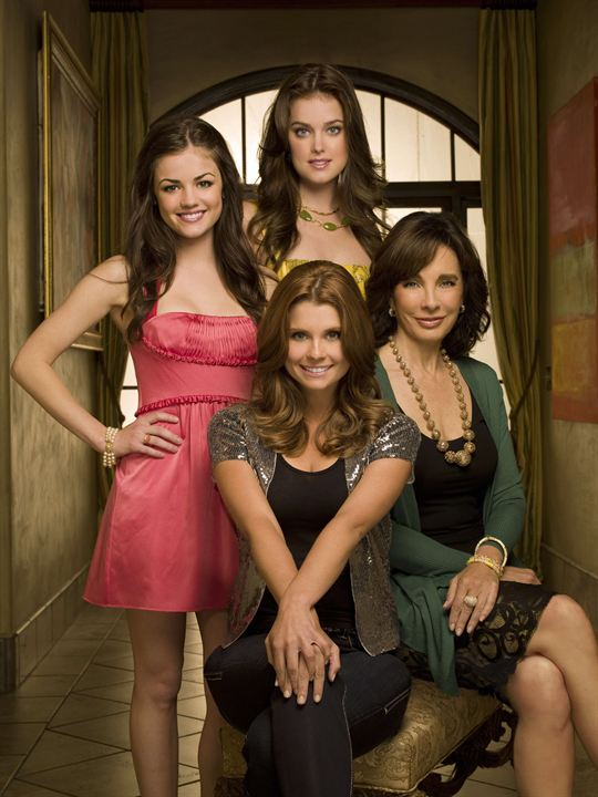 Privileged : Photo Anne Archer, Ashley Newbrough, JoAnna Garcia Swisher, Lucy Hale