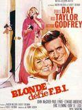 La Blonde défie le F.B.I. : Affiche