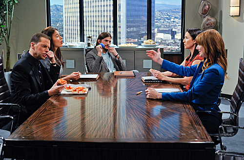 Photo Ashton Kutcher, Jon Cryer, Judy Greer, Mimi Rogers, Sophie Winkleman