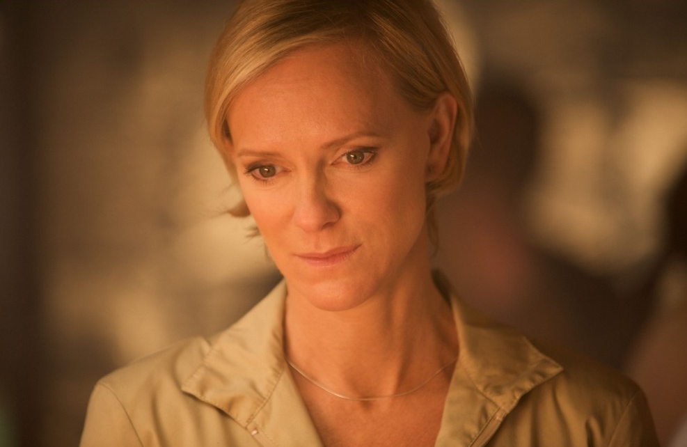 Outcasts : Photo Hermione Norris