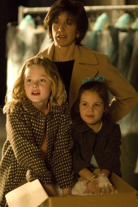 Phoebe in Wonderland: Felicity Huffman, Bailee Madison, Elle Fanning
