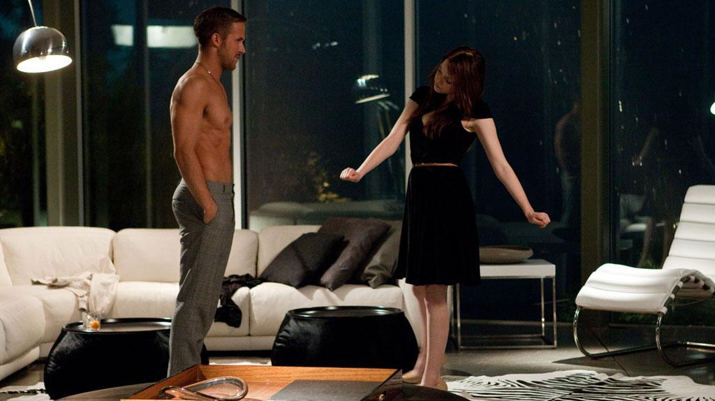 Crazy Stupid Love : Emma Stone reluque Ryan Gosling