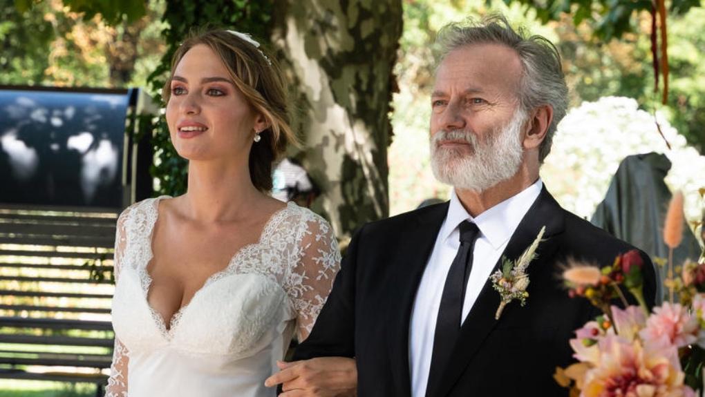 Les premières photos du mariage événement d'Ici tout commence