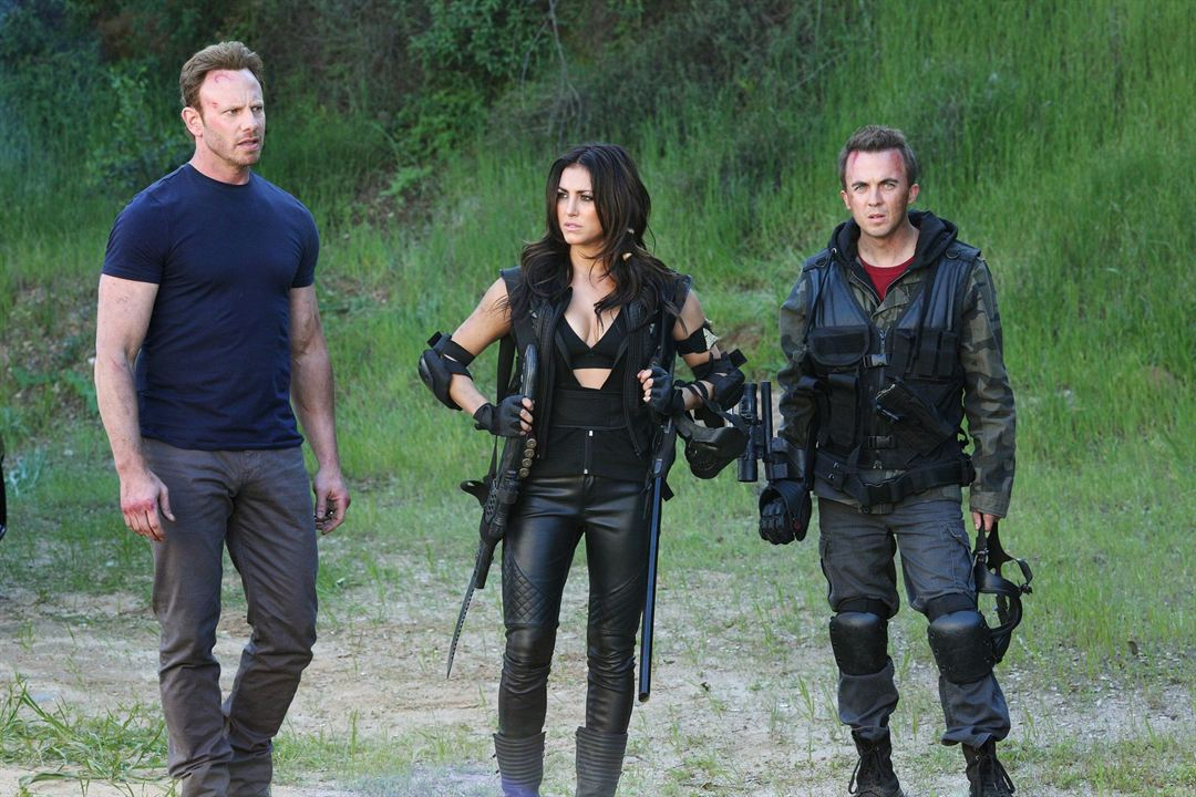 Sharknado 3: Oh Hell No! : Photo Cassie Scerbo, Frankie Muniz, Ian Ziering