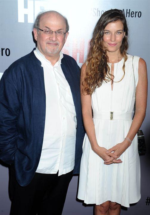 Show Me A Hero : Photo promotionnelle Salman Rushdie