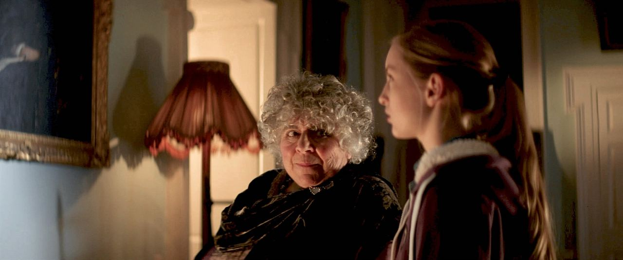 La Légende de Longwood : Photo Lucy Morton, Miriam Margolyes