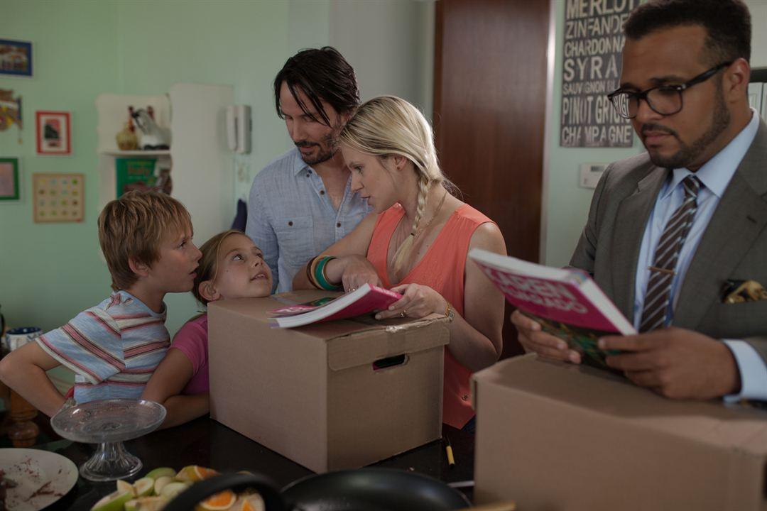 Knock Knock: Keanu Reeves, Aaron Burns (V), Megan Baily, Daniel Baily, Ignacia Allamand