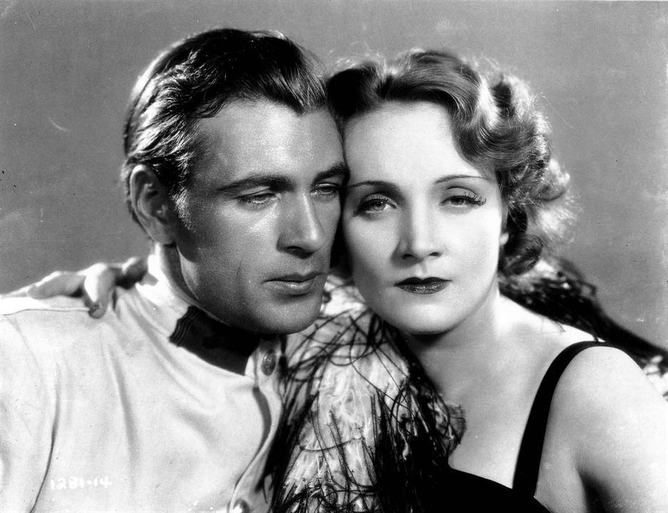 Morocco: Marlene Dietrich, Gary Cooper