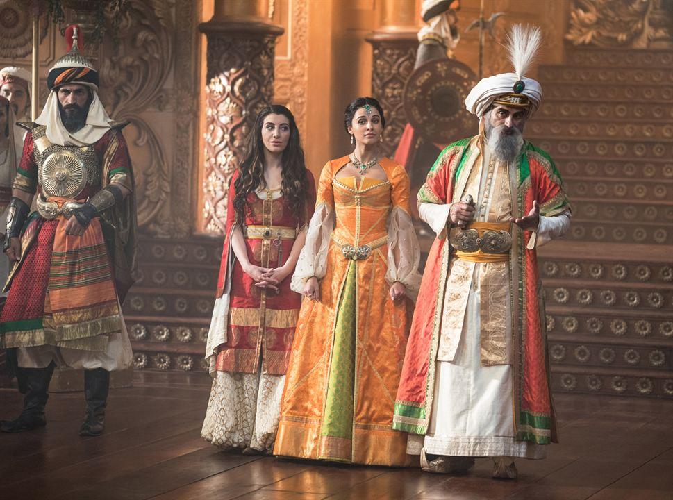 Aladdin : Photo Naomi Scott, Nasim Pedrad, Navid Negahban