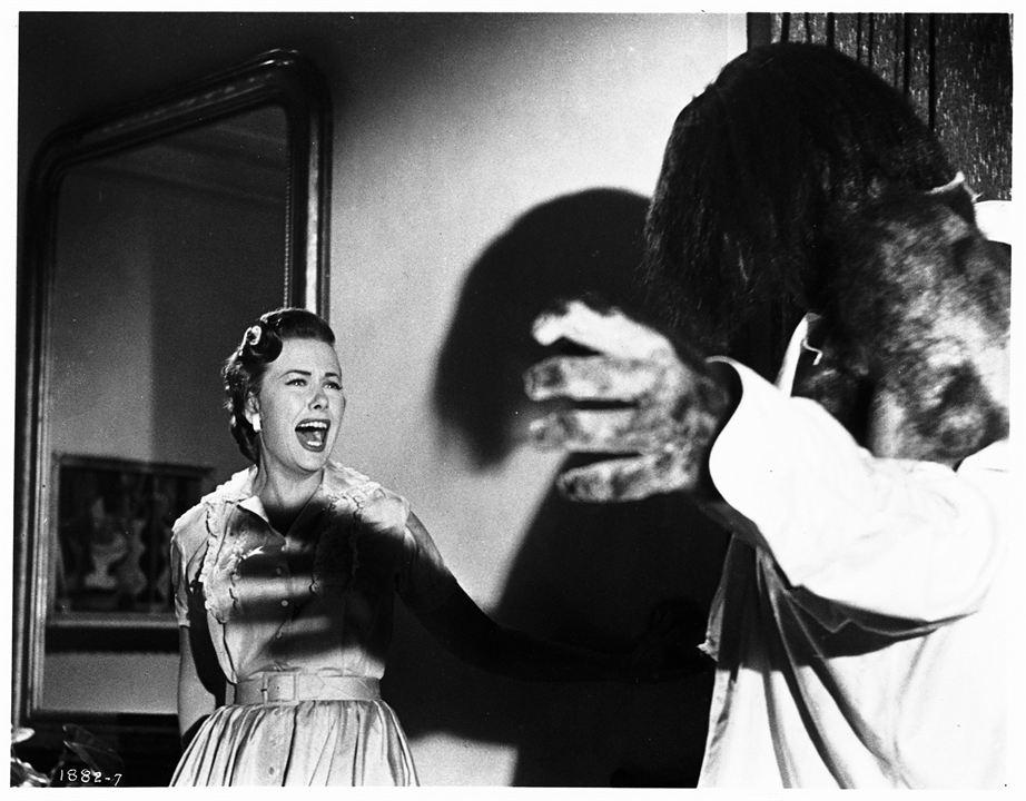 Le Monstre des Abimes : Photo Helen Westcott