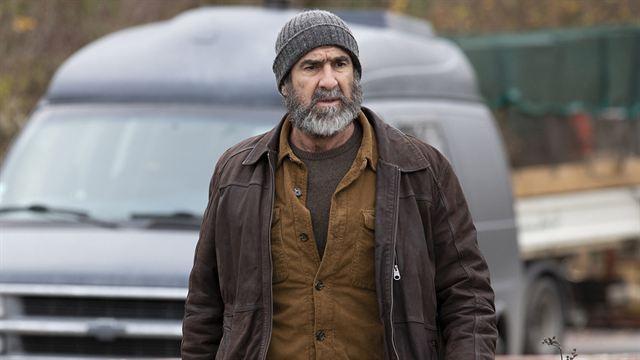 Le Voyageur Le Téléfilm De France 3 Avec Eric Cantona Devient Une Série News Séries Allociné